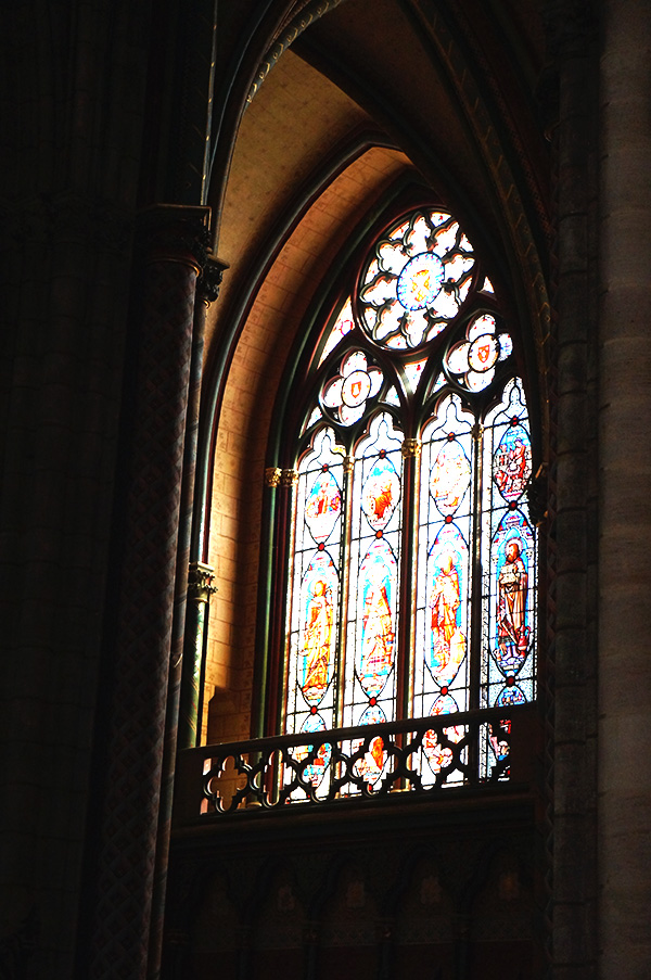 cathedrale saint andre interieur vitrail